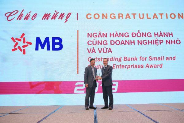 mb-bank-chuyen-doi-so-khong-chi-la-muc-tieu