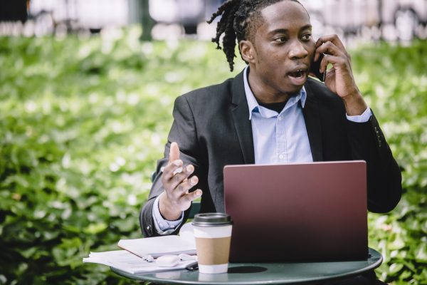 Giao tiếp kém là sai lầm quản trị doanh nghiệp cơ bản