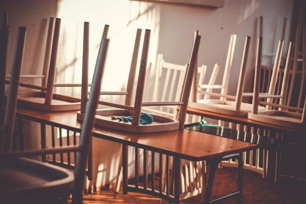 """Ngành Giáo dục rơi vào trạng thái """"nghỉ học dài hạn"""""""