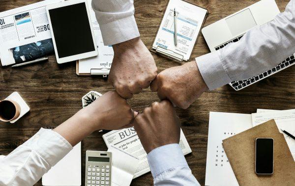 Nhà quản trị nên giúp đỡ nhân viên tìm ý nghĩa và mục đích làm việc