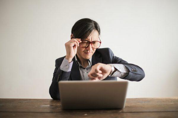 """Trễ hẹn, trễ deadline là """"văn hoá"""" chung của nhân sự tại nhiều doanh nghiệp"""