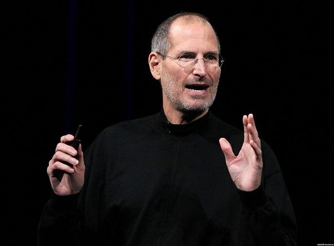Bài học đầu tiên từ Steve Jobs chính là ưu tiên sản phẩm lên trên hết