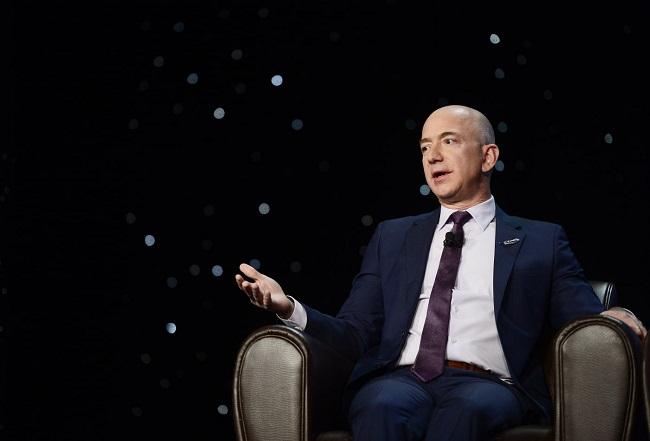 Thành công rực rỡ của Amazon đến từ những chiến lược kinh doanh của Jeff Bezos