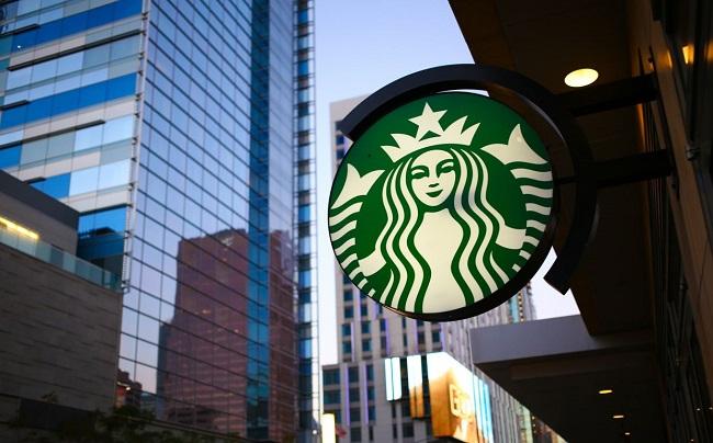 Starbucks hỗ trợ nhân viên học phí đại học